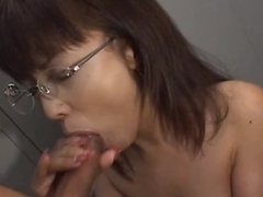 A Great Imitate Blowjob By This Asian Secretary
