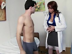 Lustful Nicki Hunter Likes Face Sitting Action and Double Penetrations