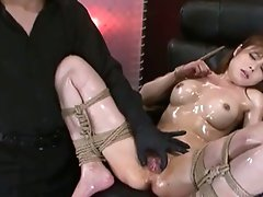 Hawt sexually excited asian hottie can't live without playing her pussy