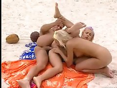 Beach threesome has great ass drilling sex