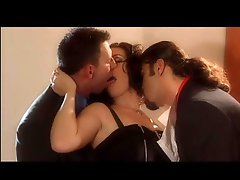 Smoking Dark-haired IN A 3some With 2 Large Cocks