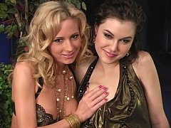 2 young pornstars share a schlong