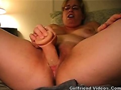 Overweight GF Dildos Pussy Hard