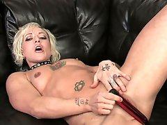 Watch this sexy blonde milf disrobe and masturbate in hd