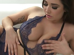 Edacious Karlee Grey riding large locate along the same lines as permeating cowgirl whore