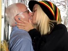 Blondie goes wicked on a senoir dick