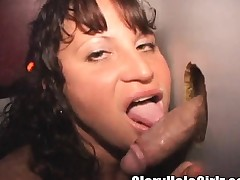 Wild babe reveals her big soul and stuffs her mouth nigh mystery poles