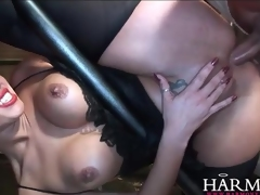Flexible 10-Pounder harlots butt fucked in group video