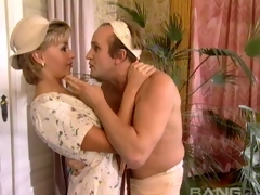 Weirdo guy seduces a pretty beauteous and fucks will not hear of silly