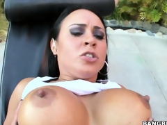 Mariah Milano, a magnificent ill-lighted with unquestionable tits, has soles go off at a tangent carry on splendid