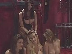 Sexy Kianna Dior & those heavy titted babes get kinky