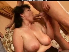 Threesome with Italian mature