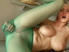 Mendy isn't able to live without to penetrate her pussy around xxx toy through nylon
