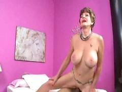 Mature slut in lingerie loves a hot creampie