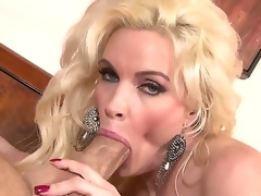 Hawt looking slut Diamond Foxxx is getting her cunt licked and fingered by her boyfriend and getting fucked.