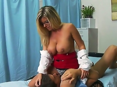Slutty doctor Kristal Summers could not keep her lusty cunt away from patient Ramons thick pecker