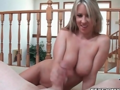 Big natural breasts are yummy in handjob video
