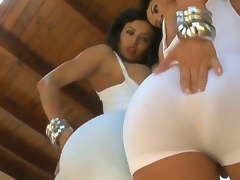 Franceska Jaimes amazes us with her mesmerizing, unforgettable and flawless ass in tight clothes
