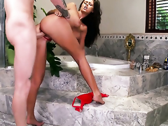 Whitney Westgate enjoys guys worm in her mouth in eager oral action