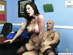 Derrick Pierce attacks ultra hawt Kendra LustS beaver with his love torpedo