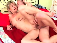 Mature mommy need young hard cock to fuck.