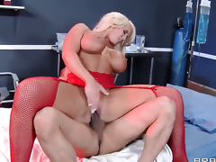 Keni Styles is horny and cant wait any more to bang eye-popping Alura Jensons pussy hole
