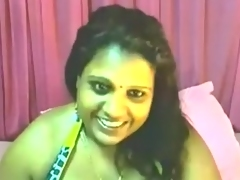 Indian woman on cam teases me with her big billibongs